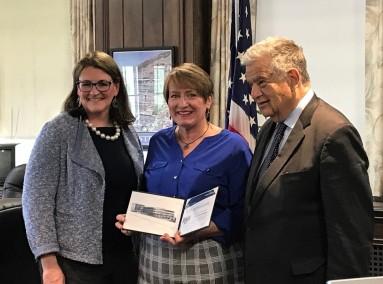 HAV HOME TOWN HERO AWARD 2019 ACC PICS BY SHAWN REGAN w Elisabeth Brady and Mayor Fiorentini